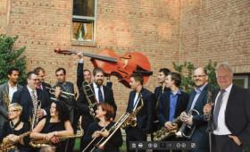 Klauzál Gábor Művelődési Központ - Rutkai Bori Banda: Űrdöngölők farsangi koncert