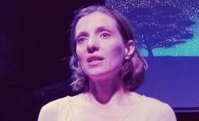 FÉM Arts & Café - Farkas Zita: Egy vagyok (Bacsa Ildikó előadása)
