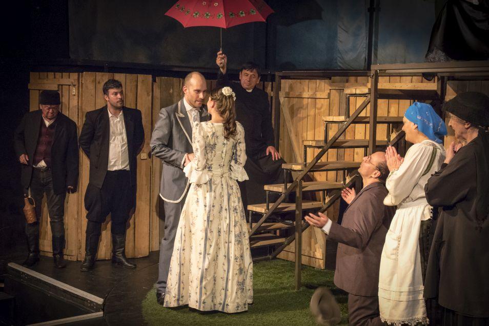 Karinthy Színház - Szent Péter esernyője