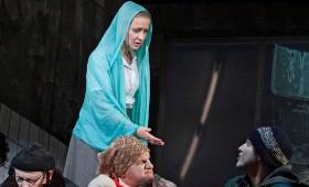 Vígszínház - Jóembert keresünk